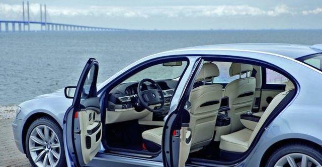 2009 BMW 7 Series 740Li  第7張相片