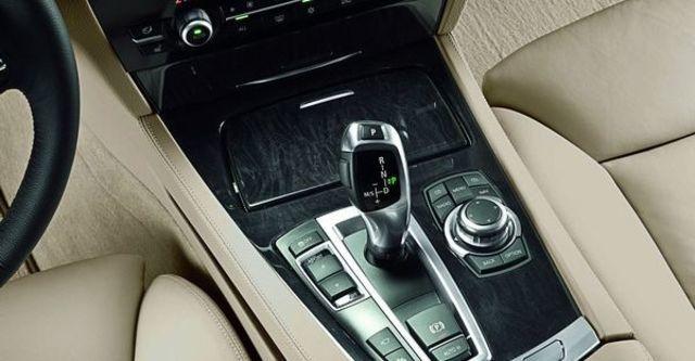2009 BMW 7 Series 740Li  第9張相片