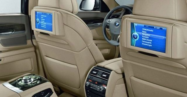 2009 BMW 7 Series 740Li  第11張相片