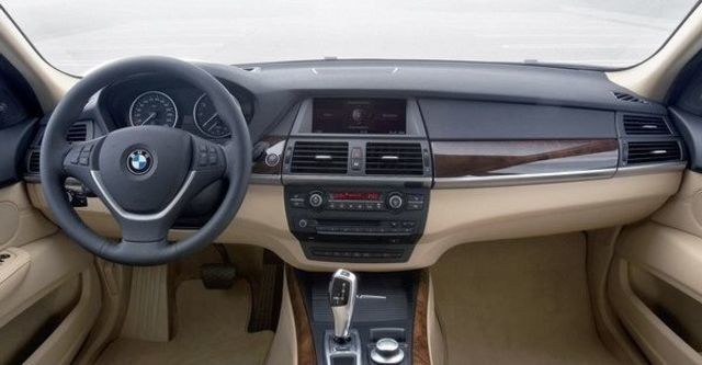 2009 BMW X5 xDrive 30i  第2張相片
