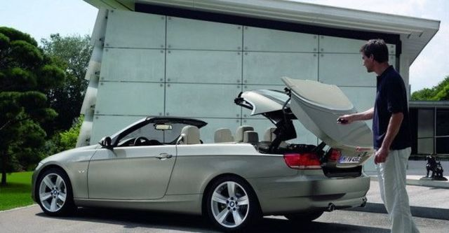 2008 BMW 3 Series Convertible 335i  第9張相片