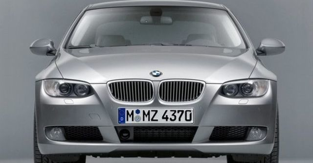 2008 BMW 3 Series Coupe 330i  第9張相片