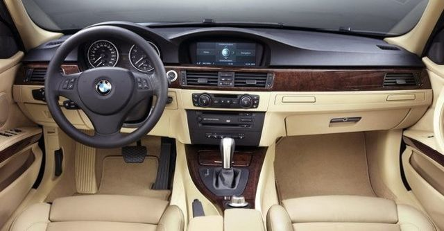 2008 BMW 3 Series Sedan 330i  第3張相片
