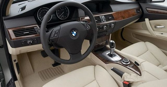 2008 BMW 5 Series 523i  第8張相片