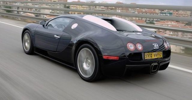 2010 Bugatti Veyron 16.4  第5張相片