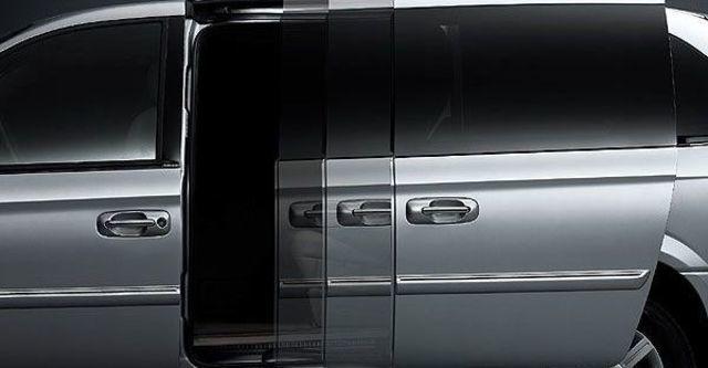 2009 Chrysler Town & Country 3.3 精緻型  第4張相片