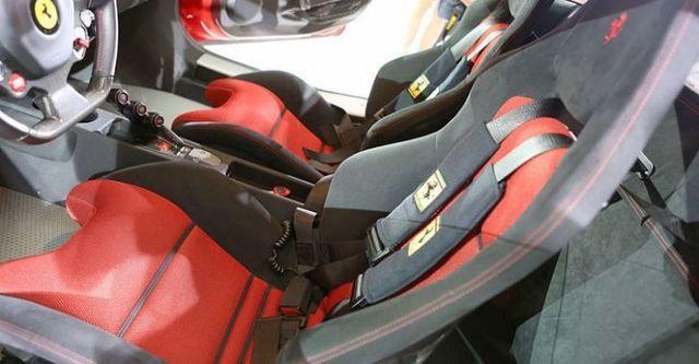 2015 Ferrari 458 Speciale  第9張相片