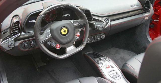 2015 Ferrari 458 Spider V8  第9張相片