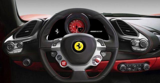 2015 Ferrari 488 GTB V8  第8張相片