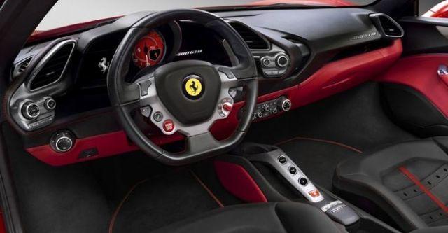 2015 Ferrari 488 GTB V8  第10張相片