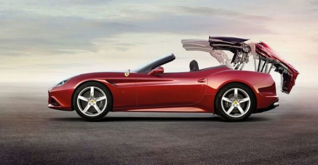 2015 Ferrari California T 3.8 V8  第3張相片