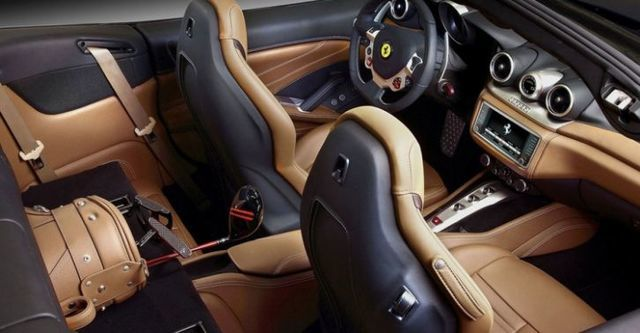 2015 Ferrari California T 3.8 V8  第7張相片