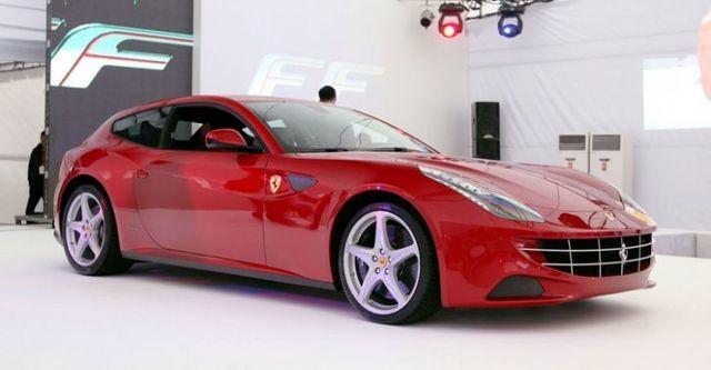 2015 Ferrari FF V12  第2張相片