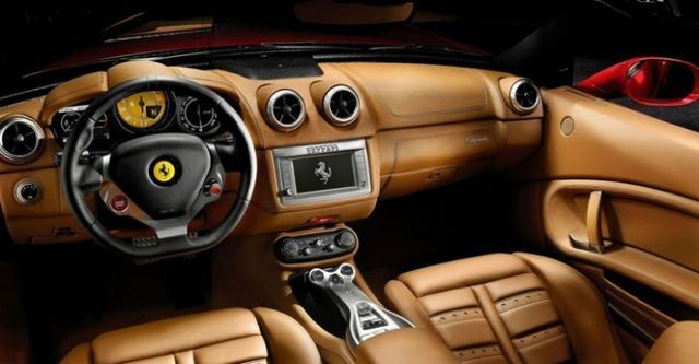 2014 Ferrari California 30 4.3 V8  第6張相片
