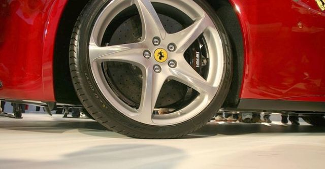 2014 Ferrari FF V12  第5張相片