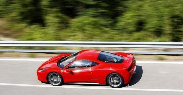 2012 Ferrari 458 Italia Coupe  第3張相片