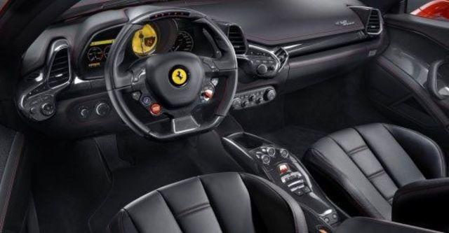 2012 Ferrari 458 Spider V8  第8張相片