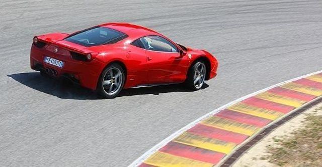 2011 Ferrari 458 Italia Coupe  第4張相片
