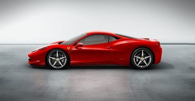 2011 Ferrari 458 Italia Coupe  第6張相片