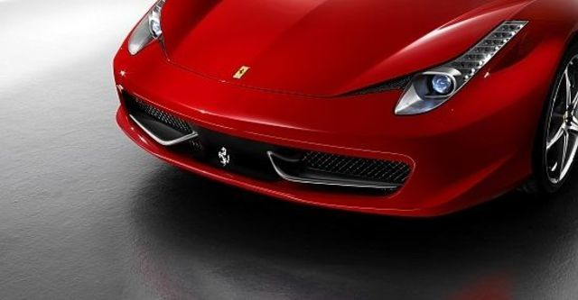 2011 Ferrari 458 Italia Coupe  第7張相片