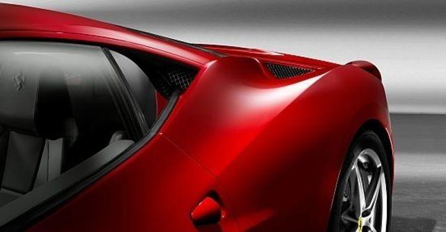 2011 Ferrari 458 Italia Coupe  第9張相片