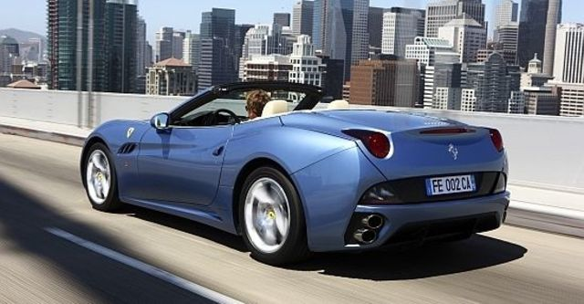 2011 Ferrari California 4.3  第5張相片