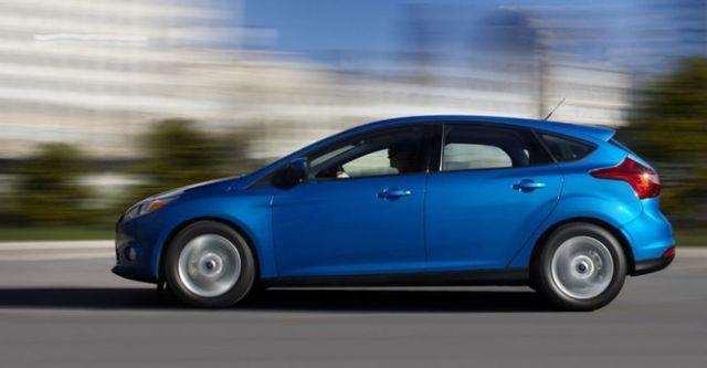 2015 Ford Focus 5D 1.6汽油時尚型  第3張相片