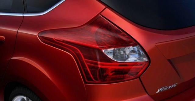 2015 Ford Focus 5D 2.0汽油時尚經典型  第5張相片
