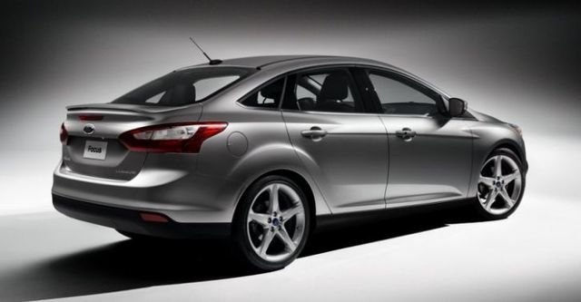 2014 Ford Focus 4D 2.0柴油時尚經典型  第5張相片