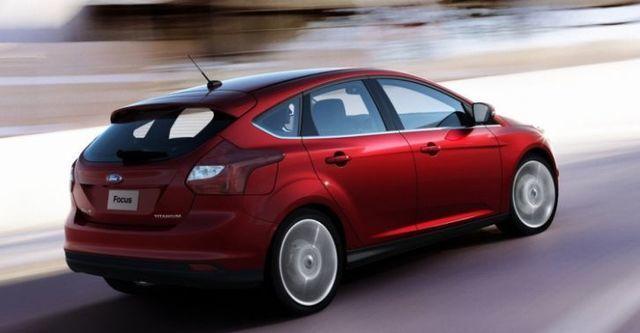 2014 Ford Focus 5D 2.0汽油時尚經典型  第4張相片