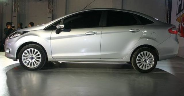 2013 Ford Fiesta 4D 1.6 Powershift時尚版  第3張相片