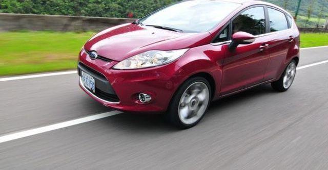 2013 Ford Fiesta 5D 1.6 Titanium運動版  第6張相片