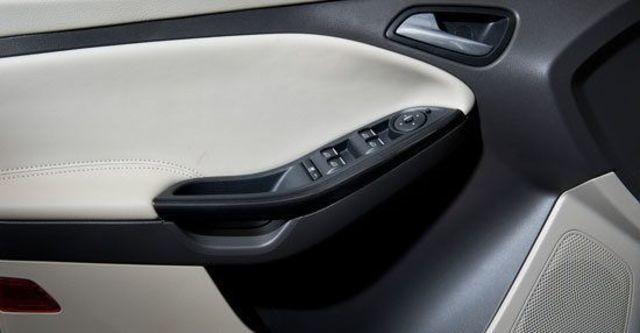 2013 Ford Focus 4D 1.6汽油舒適型  第9張相片