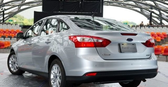 2013 Ford Focus 4D 2.0柴油時尚經典型  第4張相片