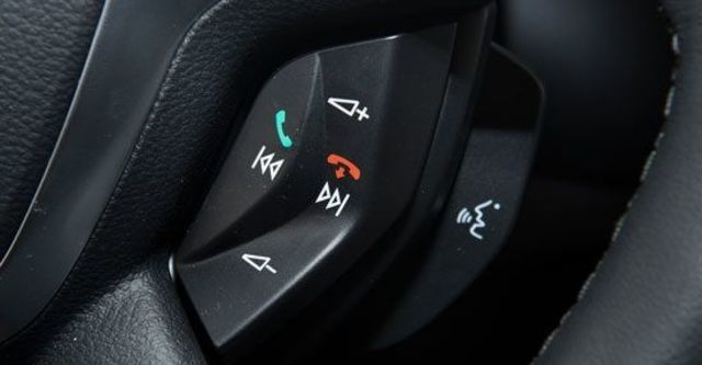 2013 Ford Focus 4D 2.0柴油時尚經典型  第10張相片