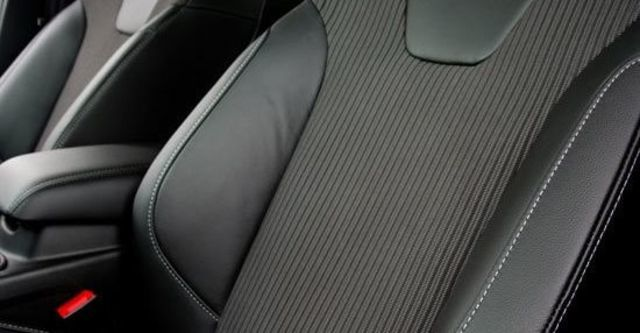 2013 Ford Focus 4D 2.0柴油時尚經典型  第11張相片