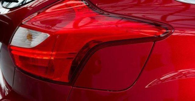 2013 Ford Focus 5D 1.6汽油時尚型  第11張相片