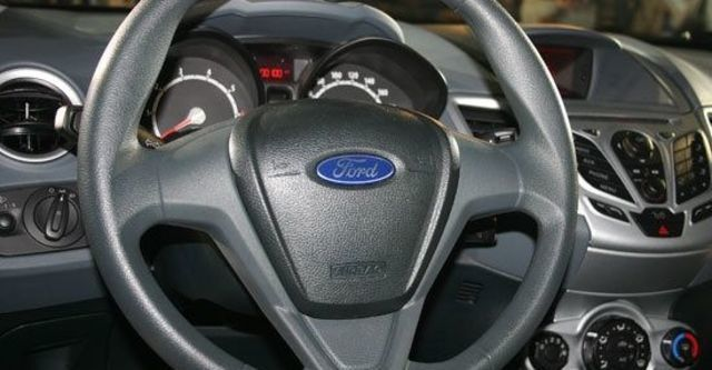 2012 Ford Fiesta 4D 1.6 Powershift時尚版  第9張相片