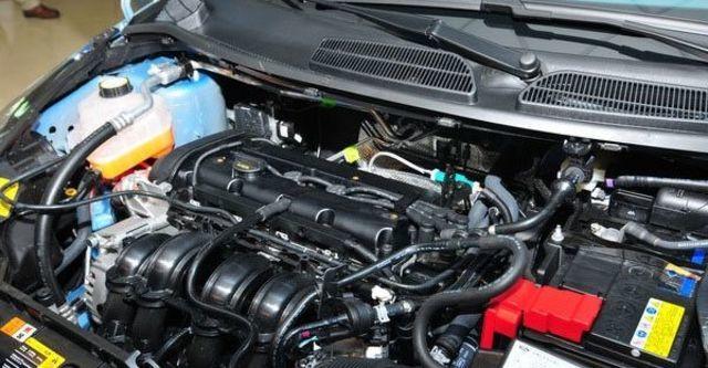 2011 Ford Fiesta 1.4時尚版(鈦銀紫)  第5張相片