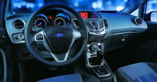 2011 Ford Fiesta 1.4時尚版(鈦銀紫)  第7張相片