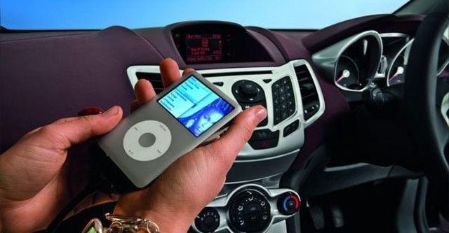 2011 Ford Fiesta 1.4時尚版(鈦銀紫)  第8張相片