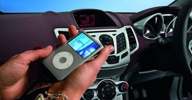 2010 Ford Fiesta 1.4時尚版(鈦銀紫)  第8張相片