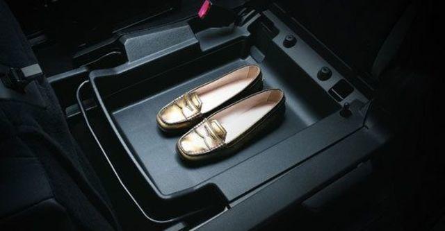 2010 Ford i-Max Ghia Ltd六人座  第6張相片