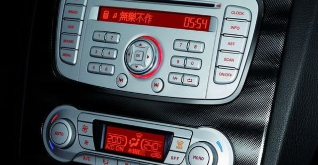 2009 Ford Focus Powershift TDCi Sports 2.0柴油五門運動時尚型  第8張相片