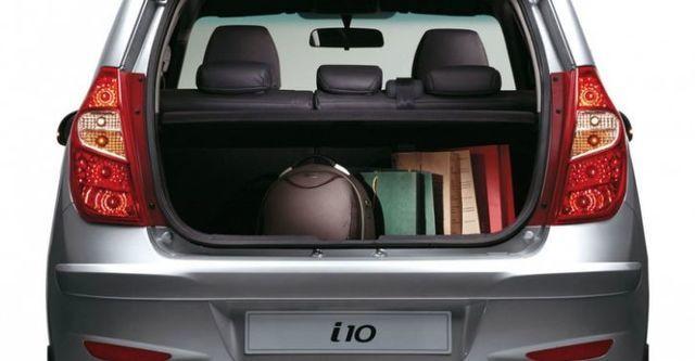 2015 Hyundai i10 手排享樂款  第8張相片