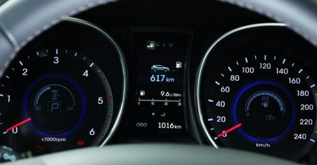 2015 Hyundai Santa Fe 2.2豪華款  第6張相片
