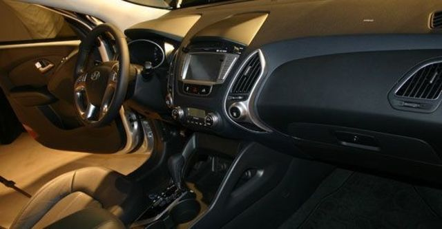 2013 Hyundai ix35 2.0 VG Turbo旗艦型  第3張相片