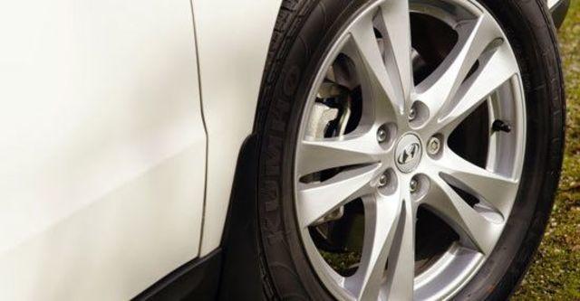 2013 Hyundai Santa Fe 2.2 eVGT旗艦型7人座  第7張相片