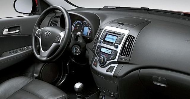 2010 Hyundai i30 豪華型  第5張相片