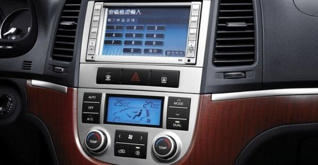 2009 Hyundai Santa Fe 2.2 DSL旗艦七人  第9張相片